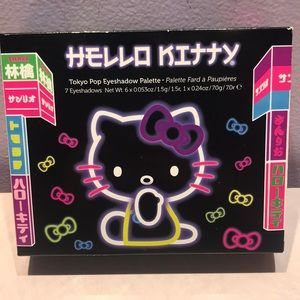 Limited edition Hello Kitty eye shadow pallet